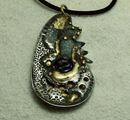 pendant-stainless-steel-brass-fused-meteorite-campo-del-cielo-epoxy-pigment-11