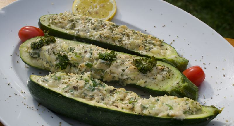 Gefüllte Zucchini vom Grill
