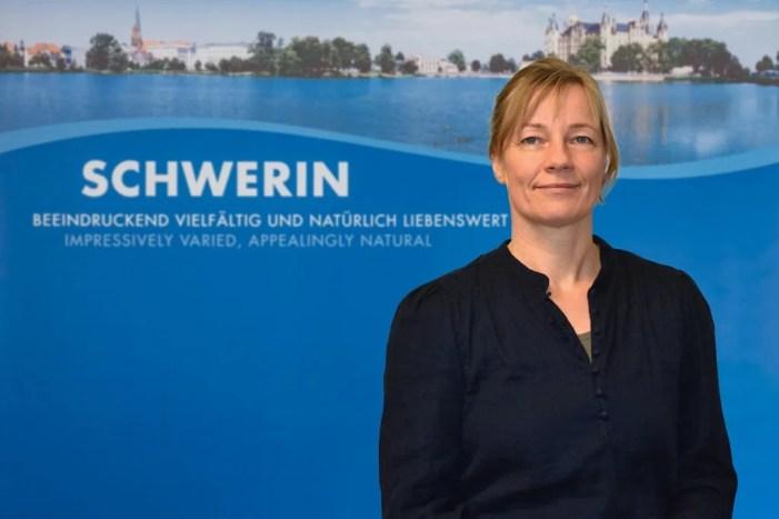 Schwerin: Behindertenbeauftragte im Eiskristall