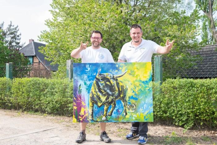 Kunstaktion beim Spiel der Stiere bringt 2.000 Euro für den Nachwuchs