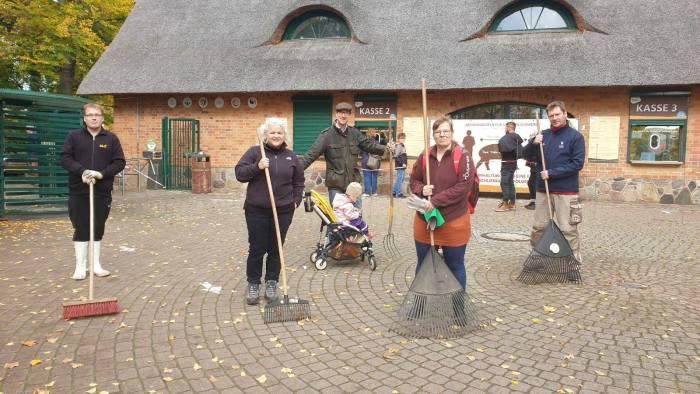 Schwerin: CDU unterstützt Herbstputzt im Zoo
