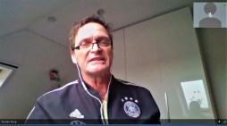 Fußball in MV: Schiedsrichter kommen digital zur Saison-Halbzeit zusammen