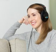 2021 Umfrage: So steigert COVID-19 den Konsum von Audioinhalten!
