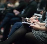 Ministerliche Pressekonferenzen in Mecklenburg-Vorpommern trotz Konstante in der Kritik