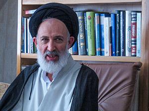 Ein Ayatollah gegen die Kopftuch-Pflicht: Ayatollah Ayazi tritt für eine liberalisierte Kleiderordnung ein.
