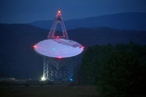 Robert C. Byrd Green Bank Telescope at the National Radio Astronomy Observatory (NRAO), Green Bank, West Virginia. Photo: Jiuguang Wang