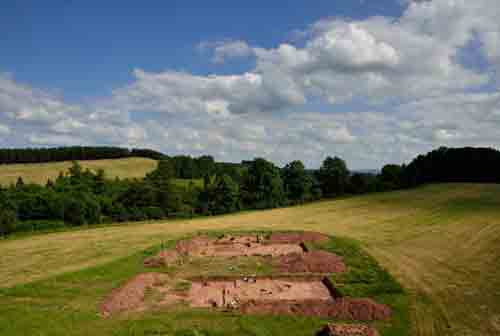 6,000-year-old 'halls of the dead' unearthed, in UK first