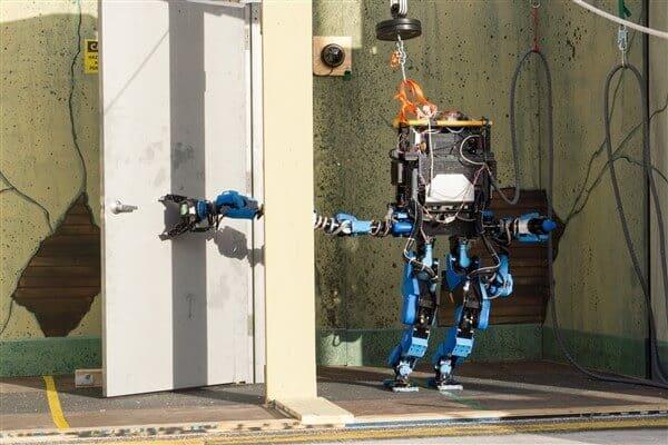 DARPA Official: Human-Robot Teams Key to Disaster Response