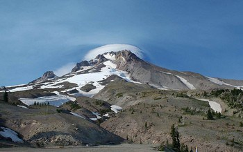 Unseen volcanoes may play role in Earth's long-term climate