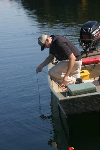 Citizen scientists provide clarity for lake researchers' big questions