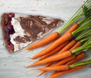 Cake or Carrots? Timing May Decide What You'll Nosh On