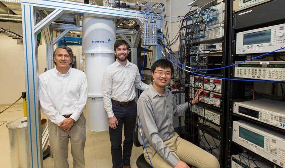 Electron-photon small-talk could have big impact on quantum computing