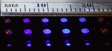 Flat optical lenses that can be easily mass-produced and integrated with image sensors