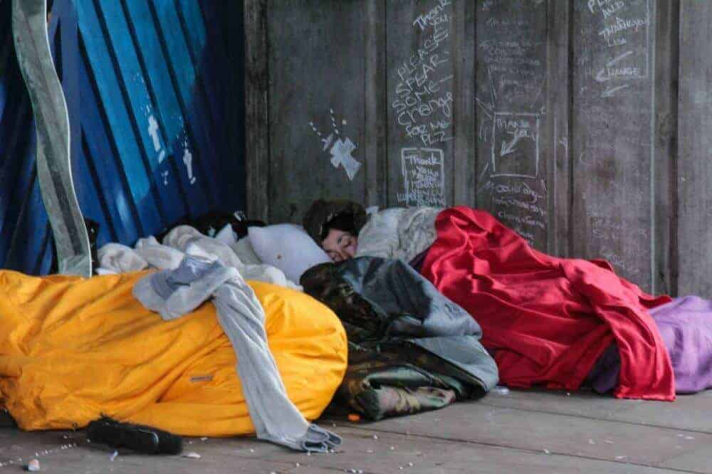 Study confirms serious health problems, high trauma rates among unsheltered people in U.S.