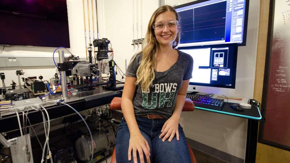 Moon Dreams Lead NASA-JPL Intern to Search for Past Life on Mars