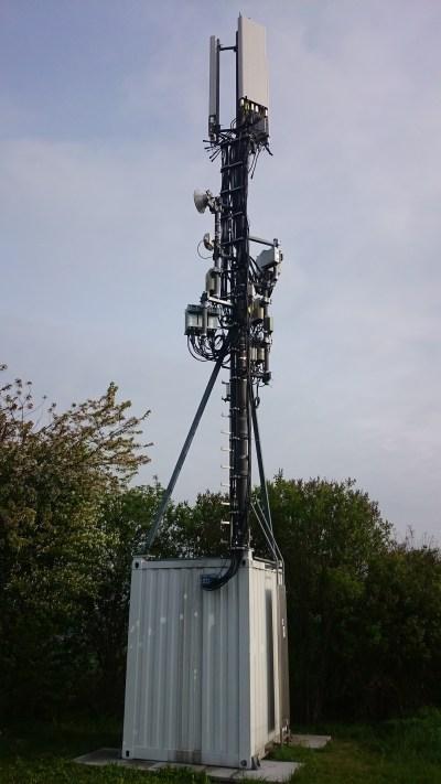 GSM BTS mit Sektorantennen. Bild: Max Pixel, gemeinfrei.