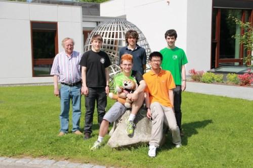 315-mathe-imo-team2012