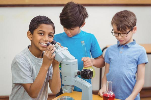 Science-cosmos-kids-steam-education-center-franchise