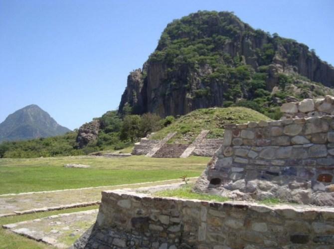 Olmec ruins buildings