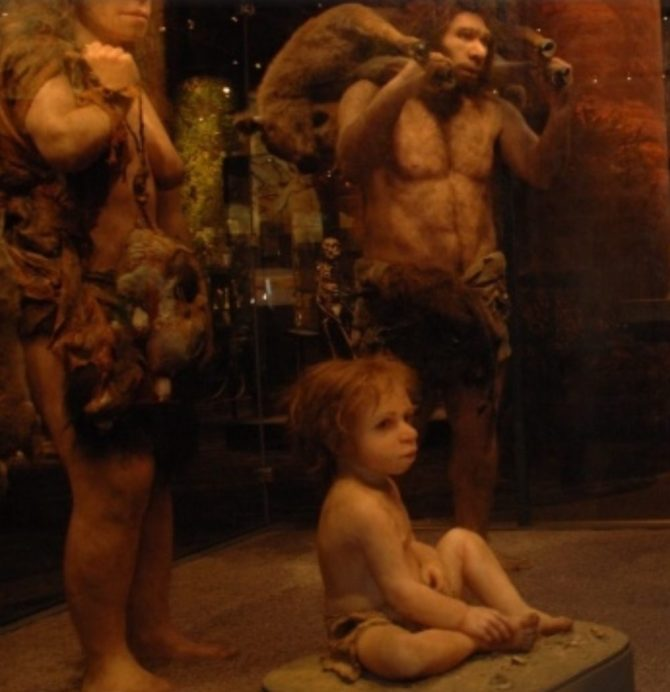 Family scene Neanderthal recreation