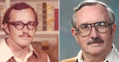 40 yr same clothing photo