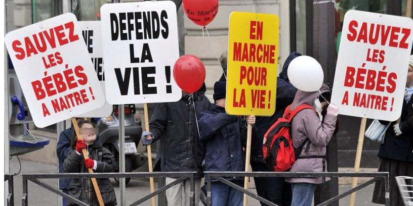 anti-ivg-les-survivants-manifestation-informations-fausses-attention