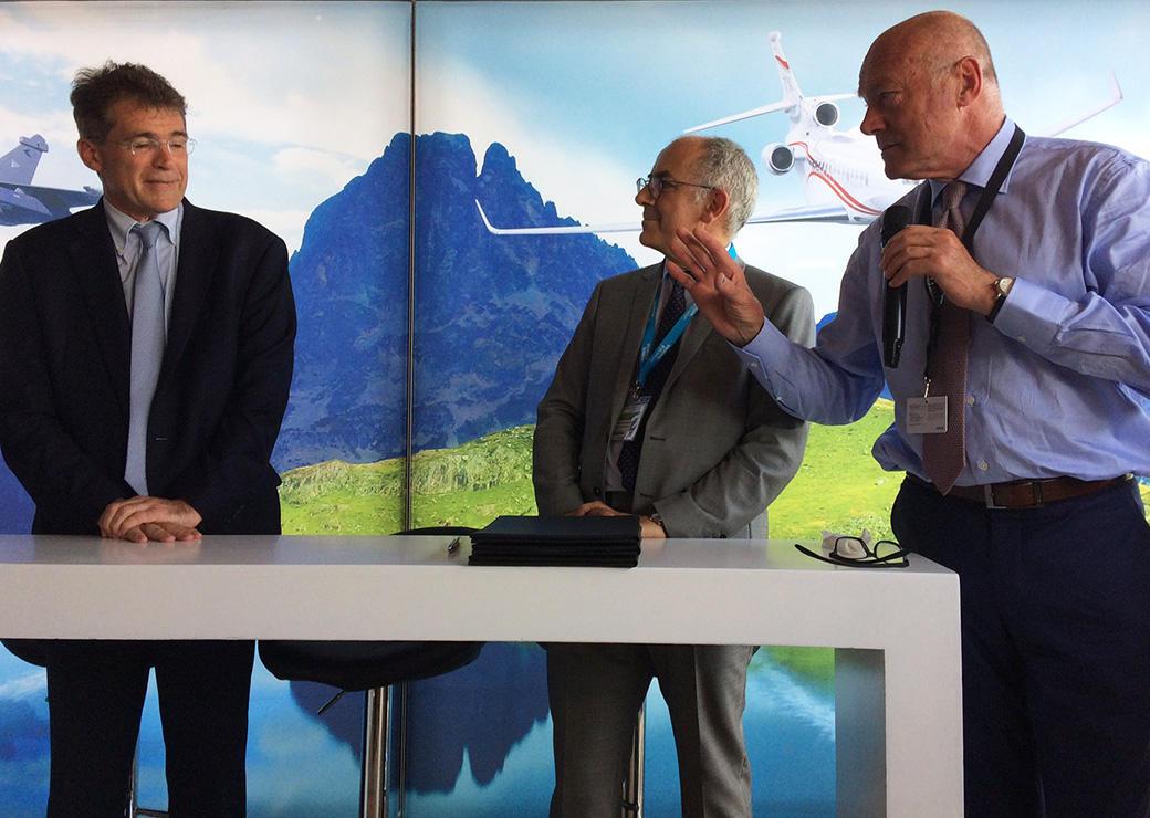 Signature dun partenariat entre lcole nationale de laviation civile ENAC et luniversit