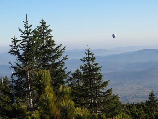 Panorama z Drogi Przyjaźni na Pogórze Karkonoszy.