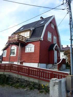 W drodze powrotnej do centrum Bergen mijałem takie oto piękne miejscowe domki.
