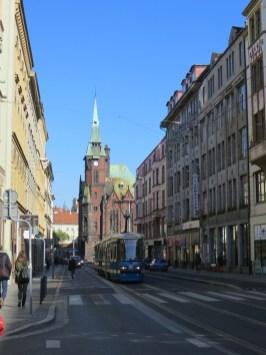 Ulica Krupnicza, w tle dawny gmach Biblioteki Uniwersyteckiej.
