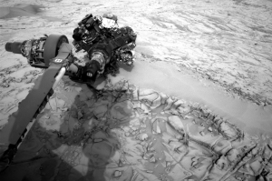 "Navcam image on Sol 815 shows Curiosity investigating ""Topanga"" (Image Credit: NASA/JPL-Caltech)"