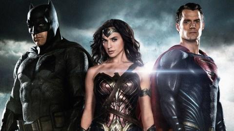 batman_wonder_woman_superman-1600x900