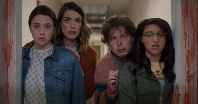 Review: SNATCHERS – Fun Sci-Fi Horror Comedy Grabbing at Greatness