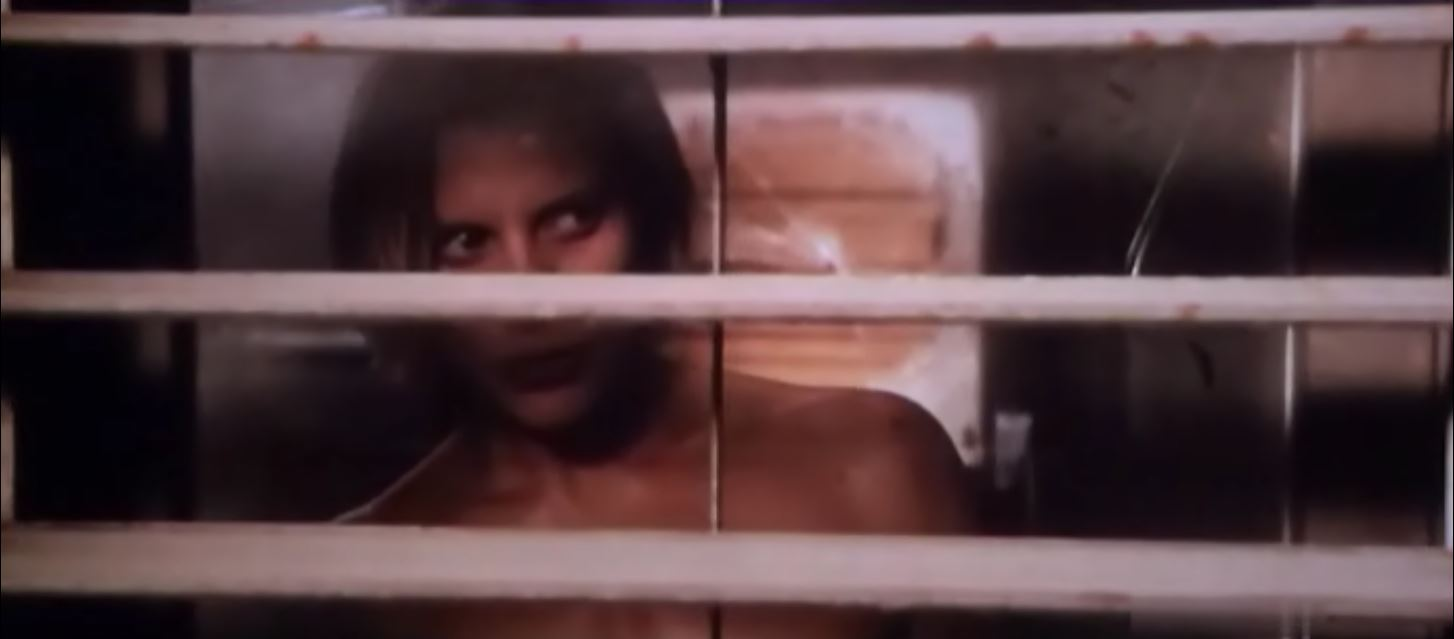 Katee Sackhoff naked in front of a window - Riddick 2