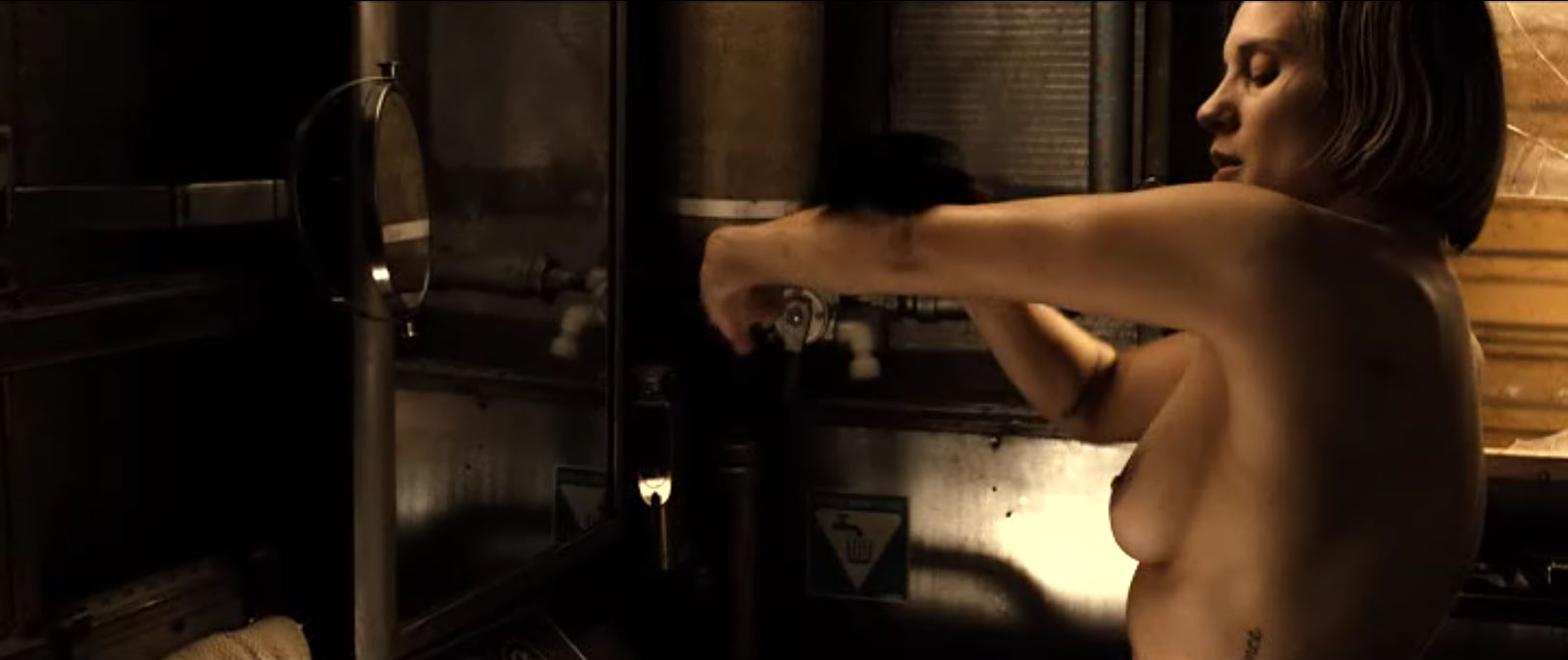 Katee Sackhoff Nude Pictures 30