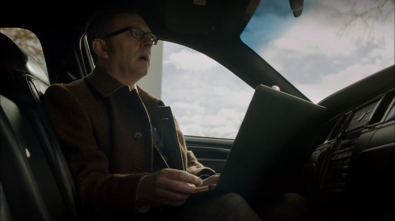 Person of Interest - Lethe - Finch going out into the field