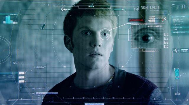 Almost Human - Perception - Dorian checking Julian Wollenberg