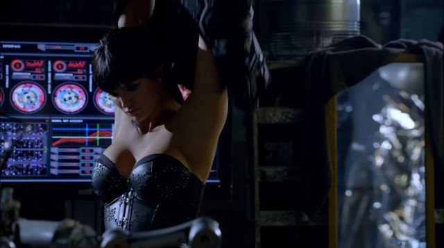 Almost Human - Unbound - Gina Carano wearing a corset as Danica