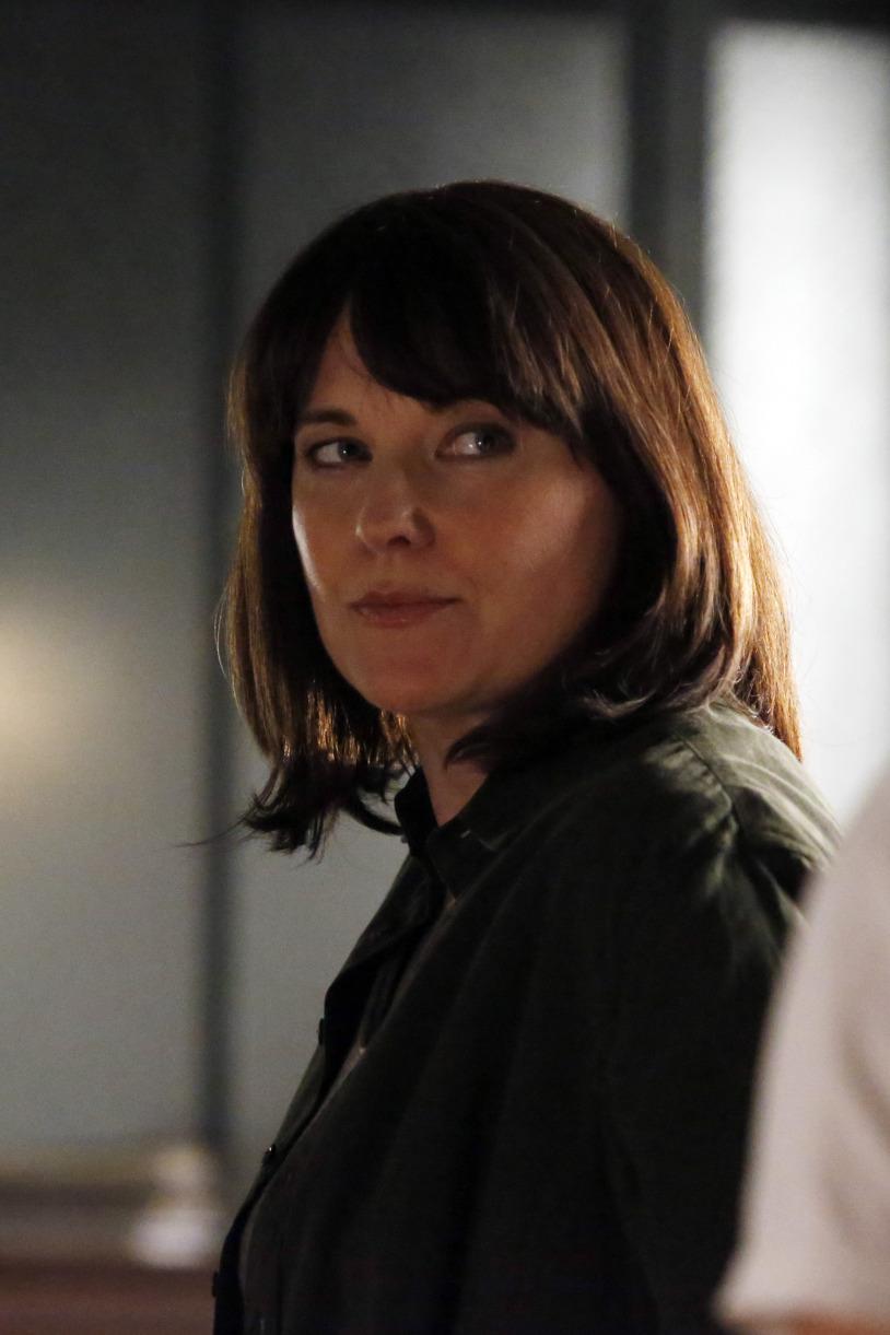 Lucy Lawless as agent Hartley - Agents of SHIELD season 2 sneak peek trailer