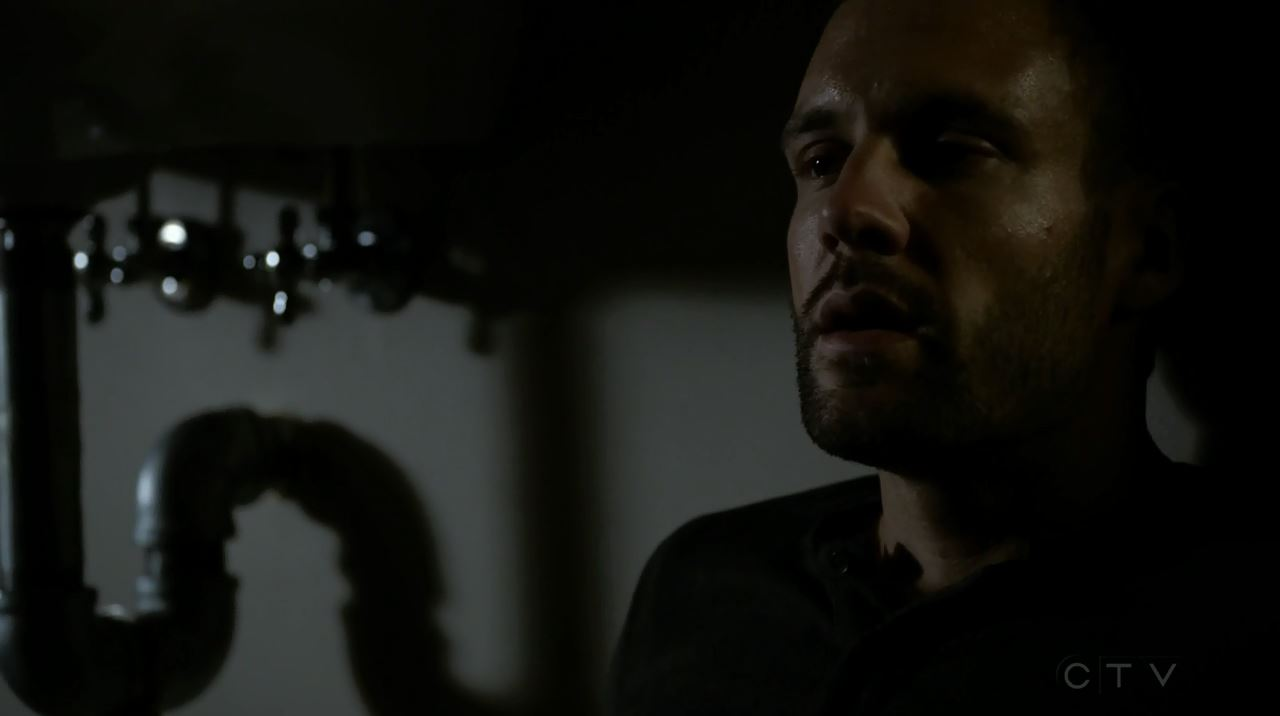 Hunter locked-up. Agents of SHIELD S2Ep13 'One Of Us' Review.