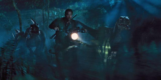 Owen Grady (Chris Pratt) chasing raptors - Jurassic World Review