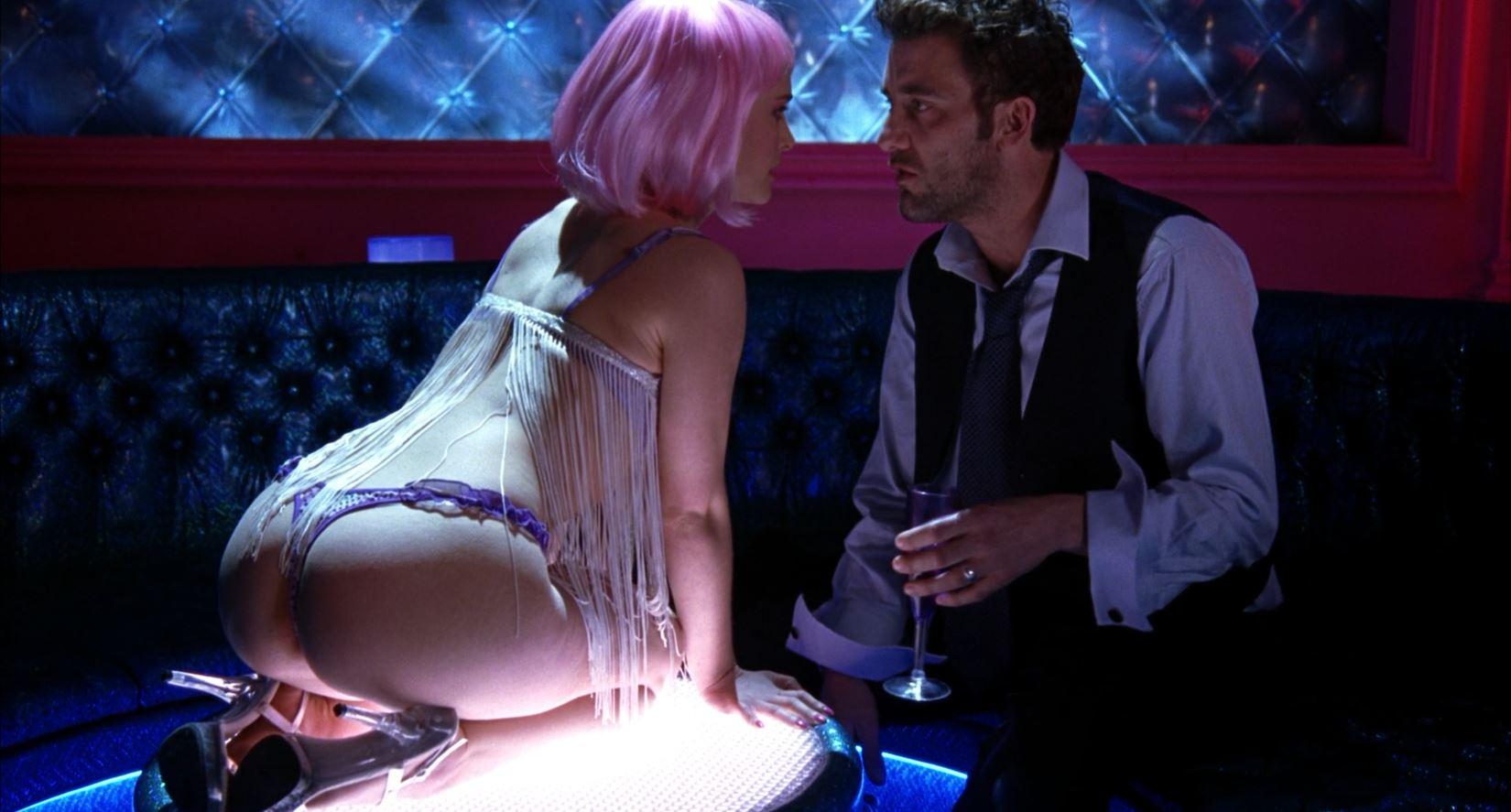 Closer - Natalie Portman in a thong 4