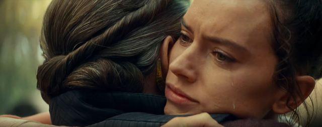 Star Wars The Rise of Skywalker Rey hugs Leia