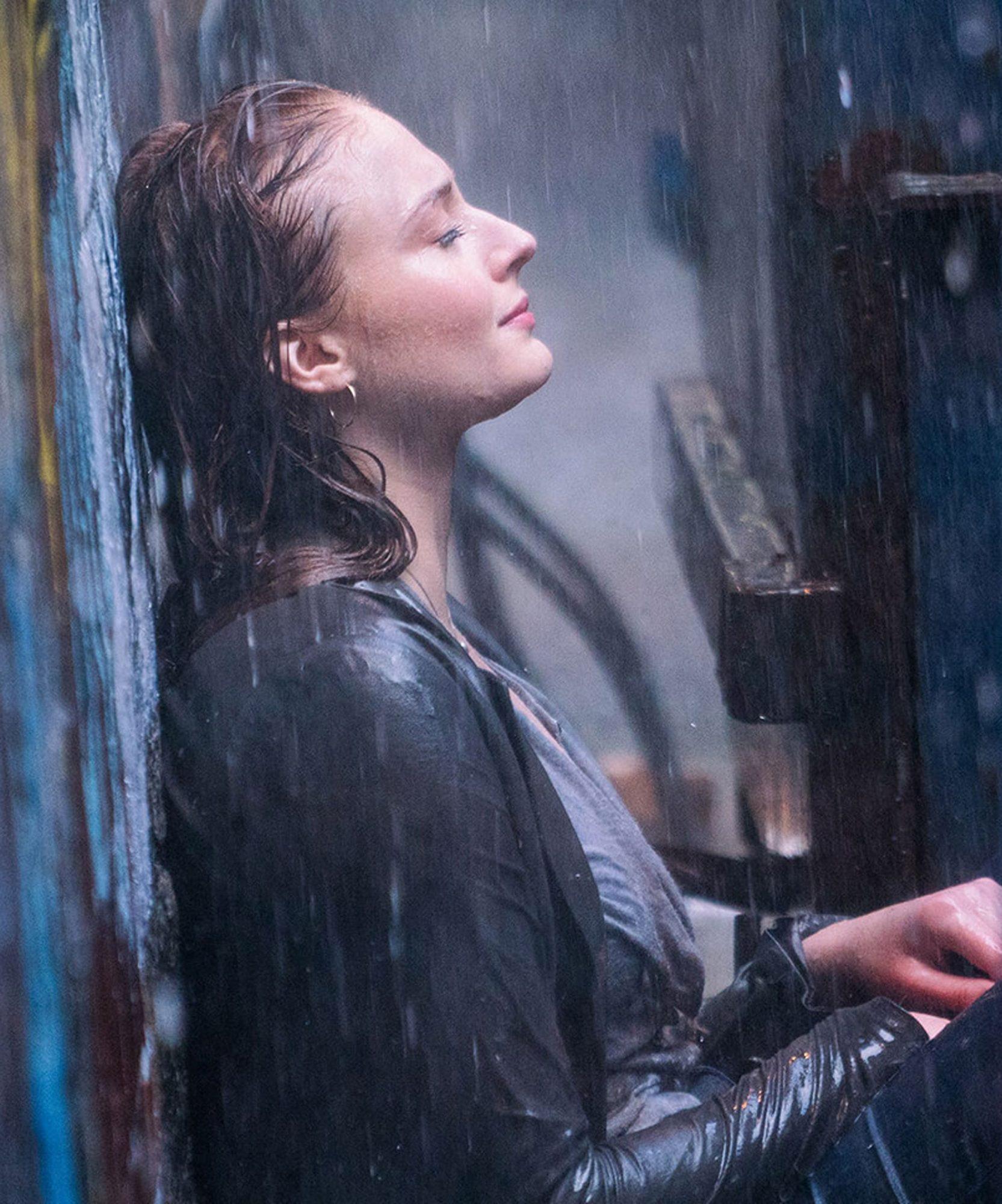 Review X-Men Dark Phoenix Sophie Turner as Jean Grey