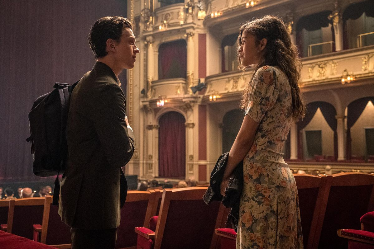 Spider-Man Far From Home - Peter (Tom Holland) and MJ (Zendaya)