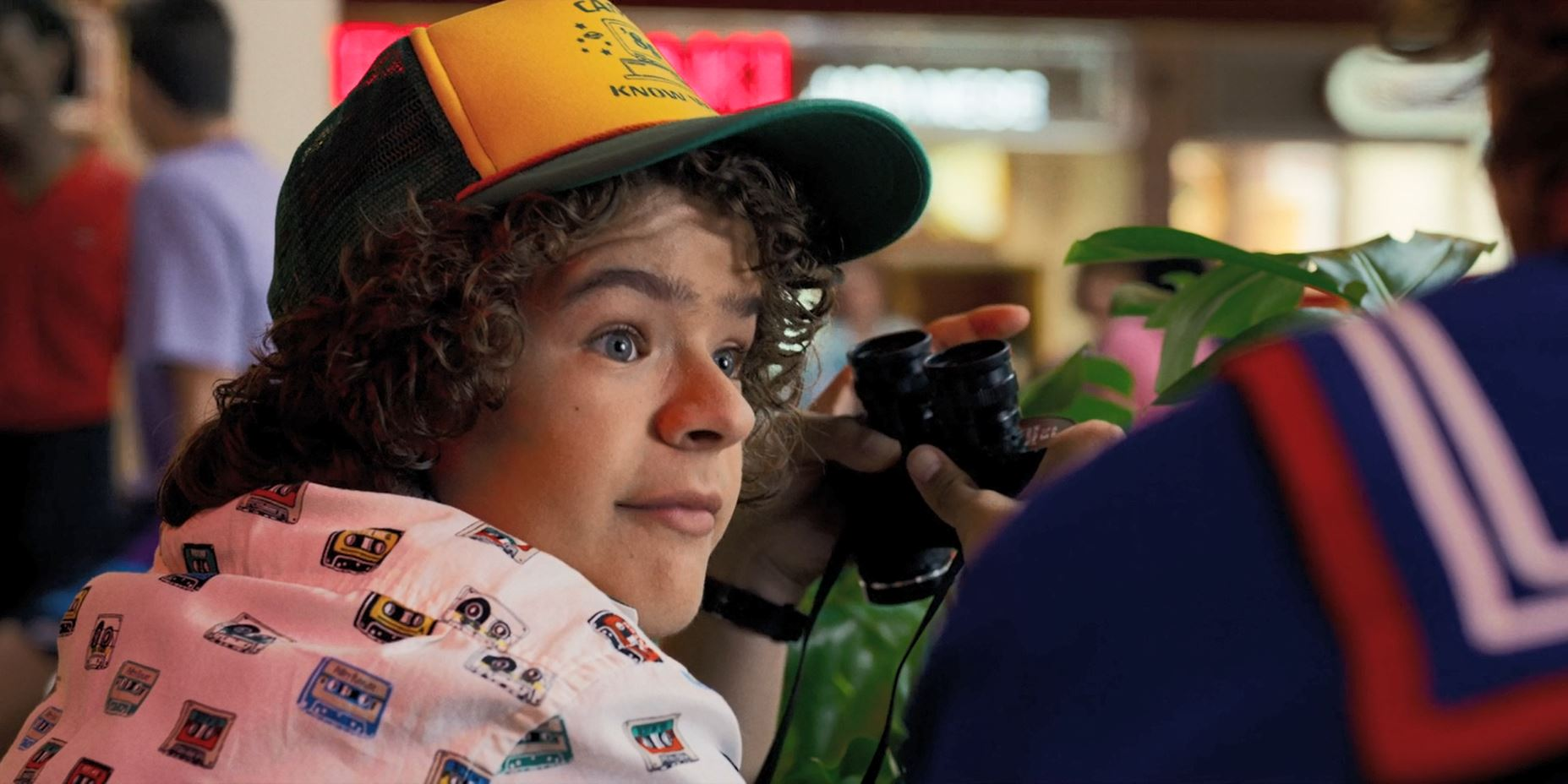 Stranger Things Season 3 Review - Dustin