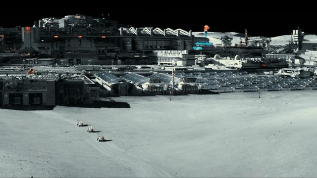 Ad Astra Review - lunar base