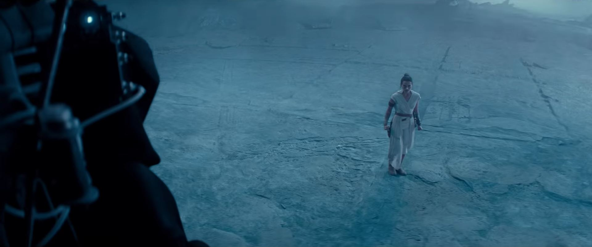 Rey confronts Palpatine Darth Sidious in The Rise of Skywalker