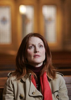Julianne Moore in Shelter