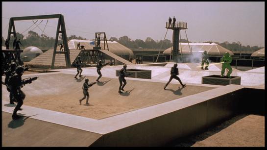 StarshipTroopers-Gunner-Practice-19